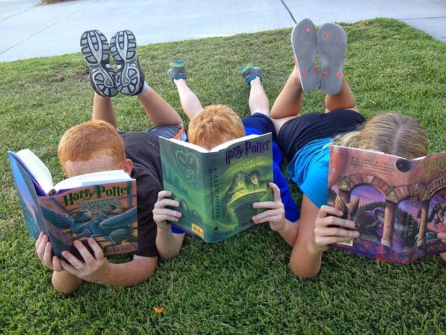 děti s knihami