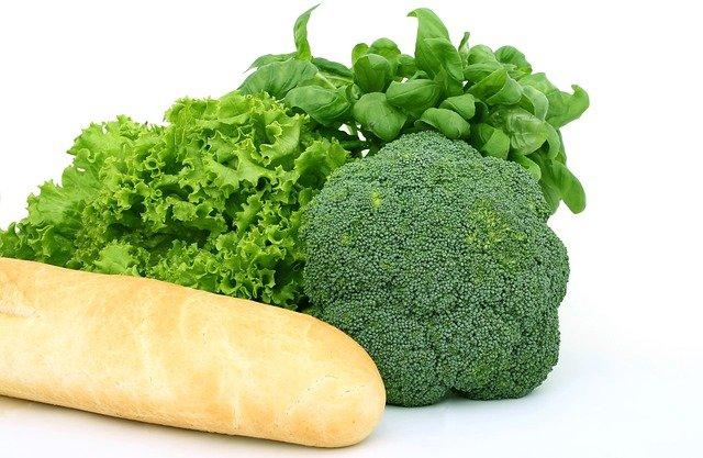 bageta a čerstvá zelenina