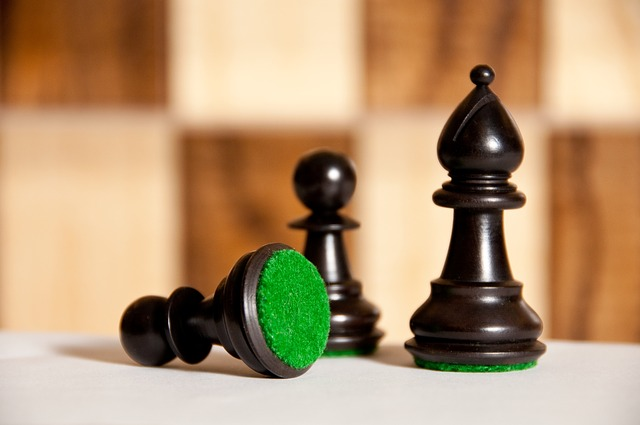 černé šachové figurky