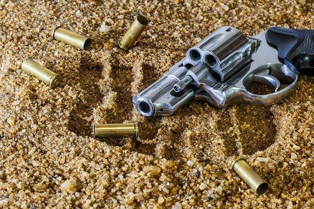 pistole a náboje