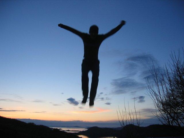 muž ve vzduchu