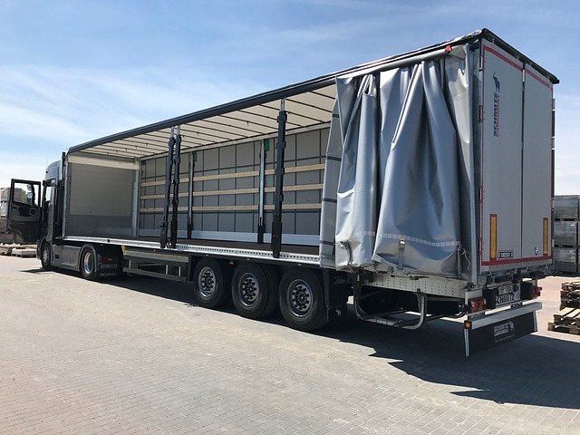 otevřený kamion