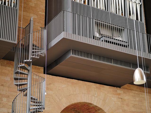 venkovní točité schodiště – kovové