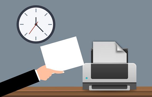 papír v tiskárně