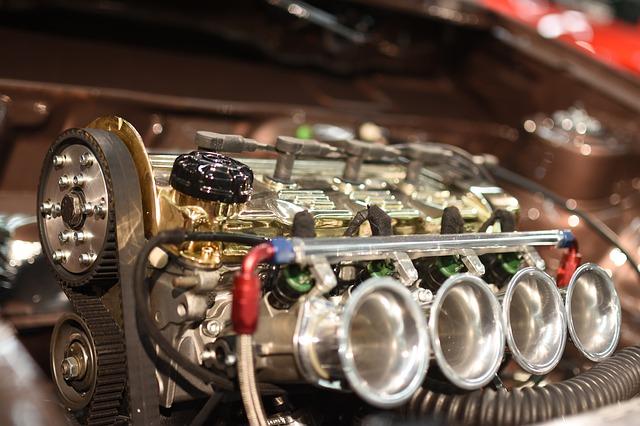 vyladěný motor autosport